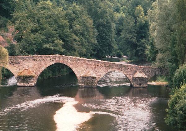 Pont romain (pont-route), Menat, Puy de Dôme