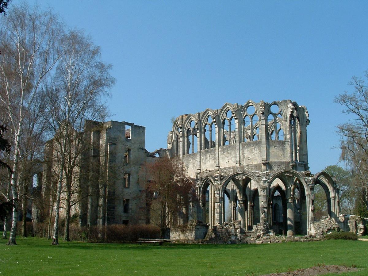 Abbaye Notre-Dame-de-l'Assomption - Vestiges de l'abbatiale vus du chevet