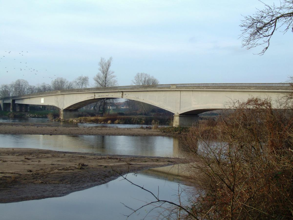 Allierbrücke Le Veurdre