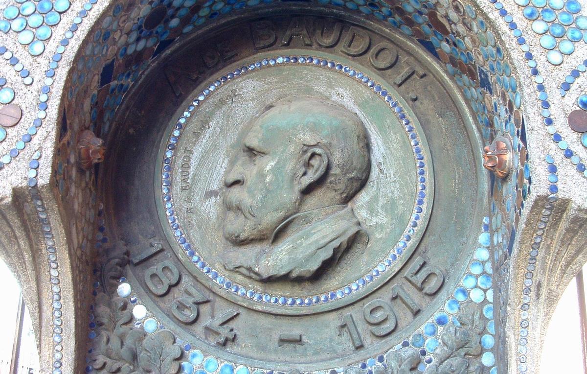 Anatole de Baudot - Monument commémoratif à l'église Saint-Jean de Montmartre - Détail