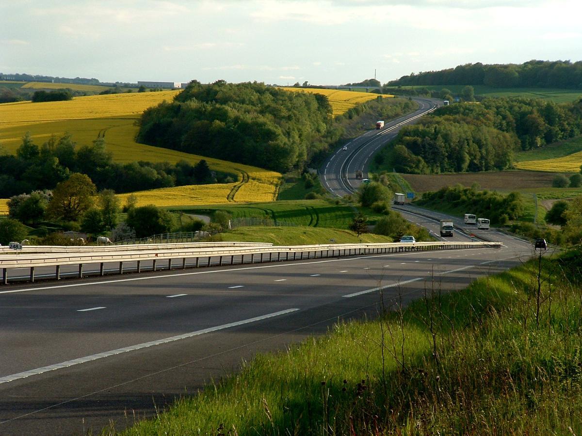 ����� ������ ���� autoroute_a4_au_pk_248_au_printemps.jpg