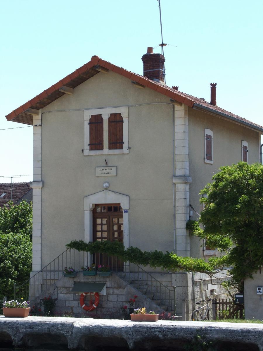 Briare Canal at Rogny - Lock No. 18 - Lock guard's house