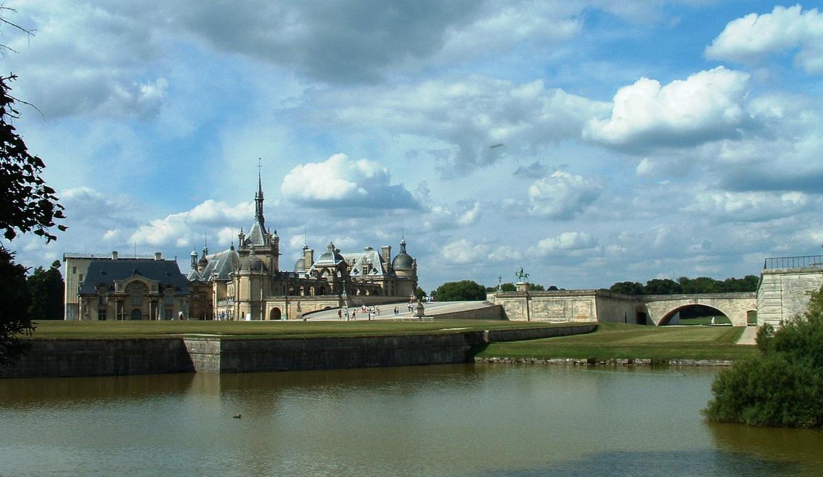 Chantilly Caslte