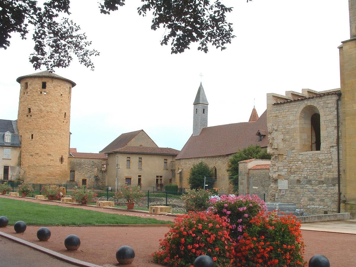 Charlieu - Abbaye - Tour Philippe-Auguste et chapelle du Prieur