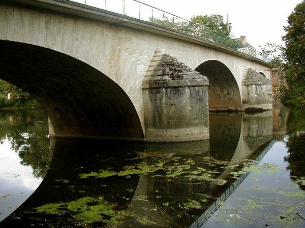 Pont de Cravant.