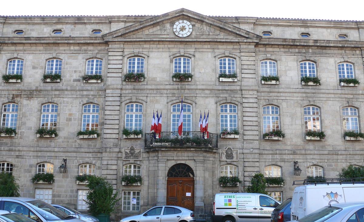 Le Puy En Velay Hotel De Ville