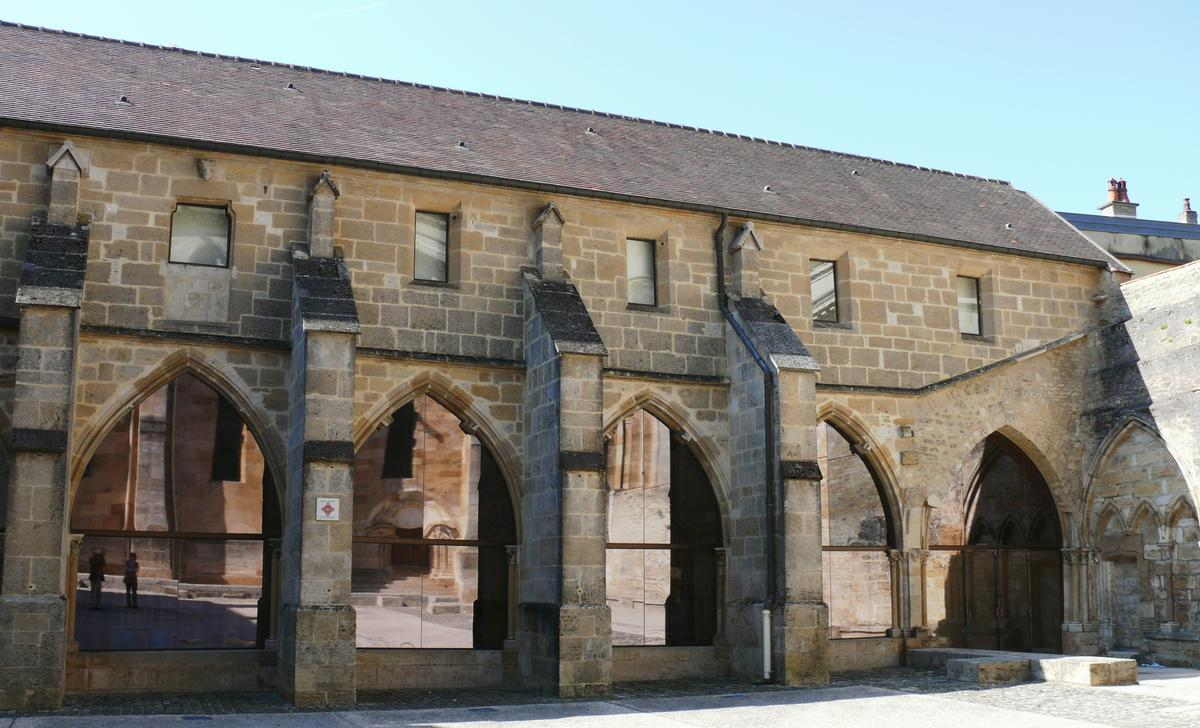 Cathédrale Saint-Mammès de Langres - Cloître du chapitre