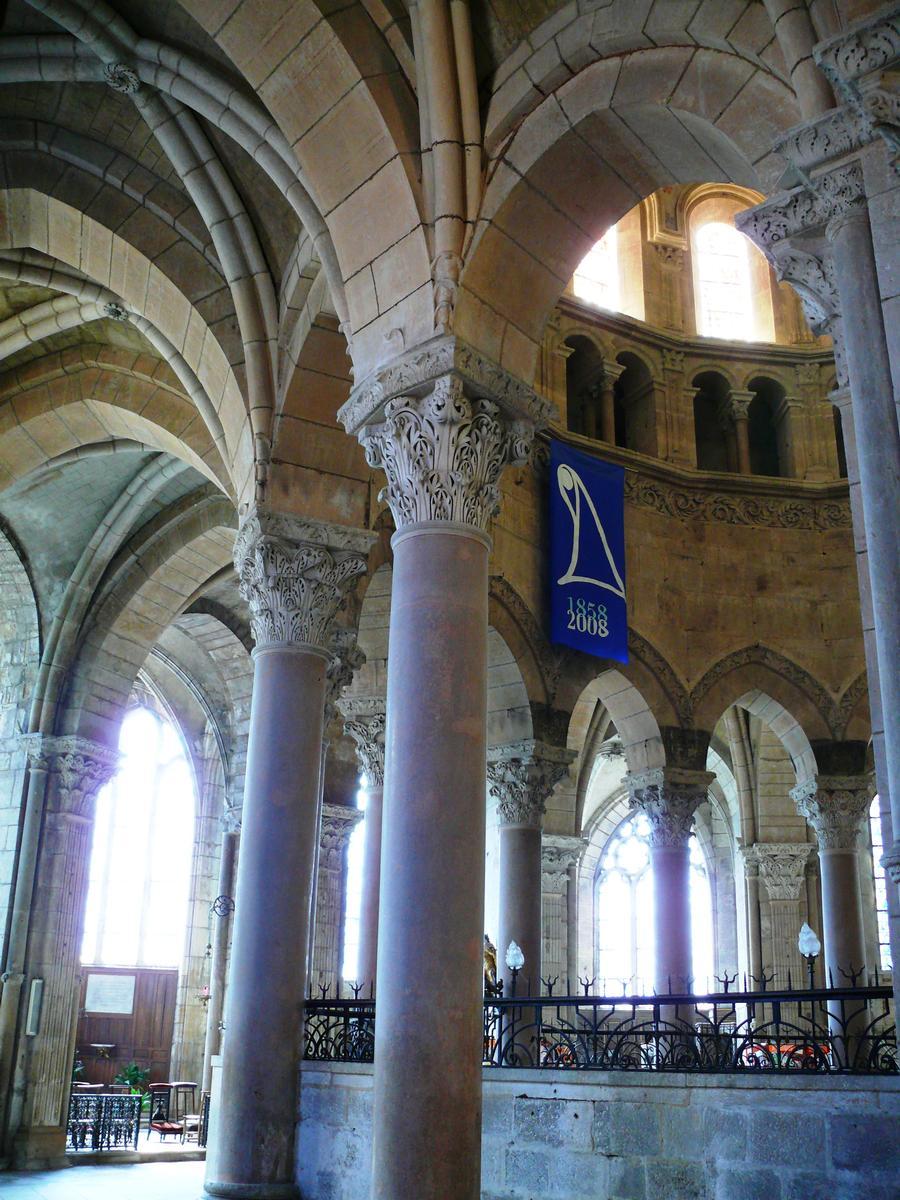 Cathédrale Saint-Mammès de Langres - Déambulatoire