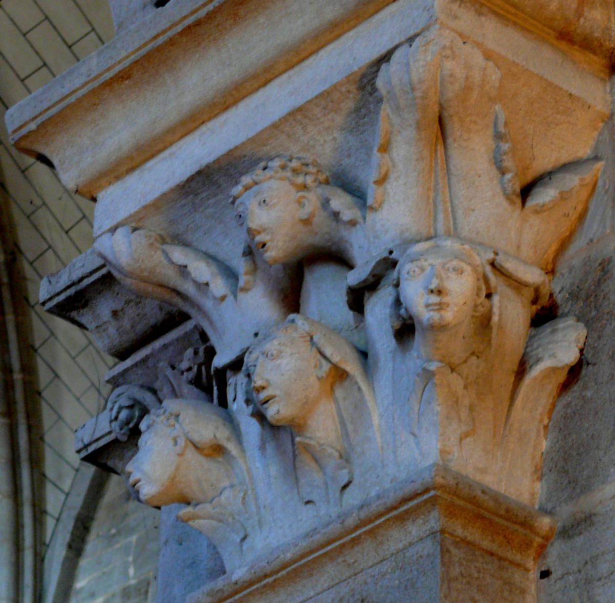 Cathédrale Saint-Mammès de Langres - Chapiteau du collatéral sud