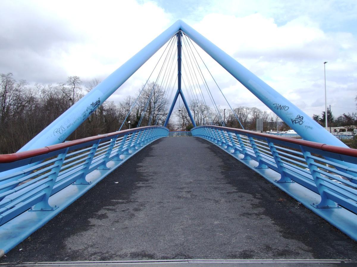 Montigny-lès-Cormeilles Footbridge