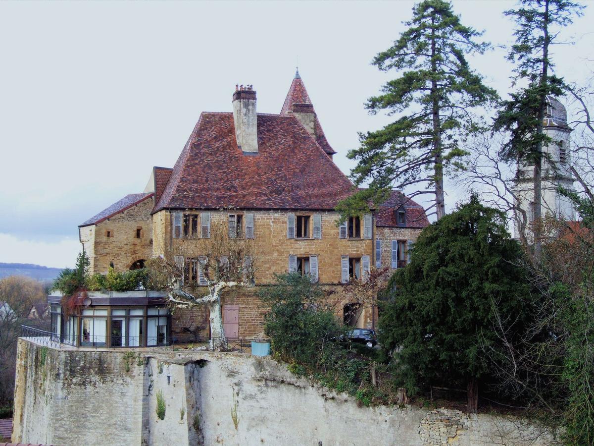 Château Bontemps, замки Франш-Конте, достопримечательности Франции