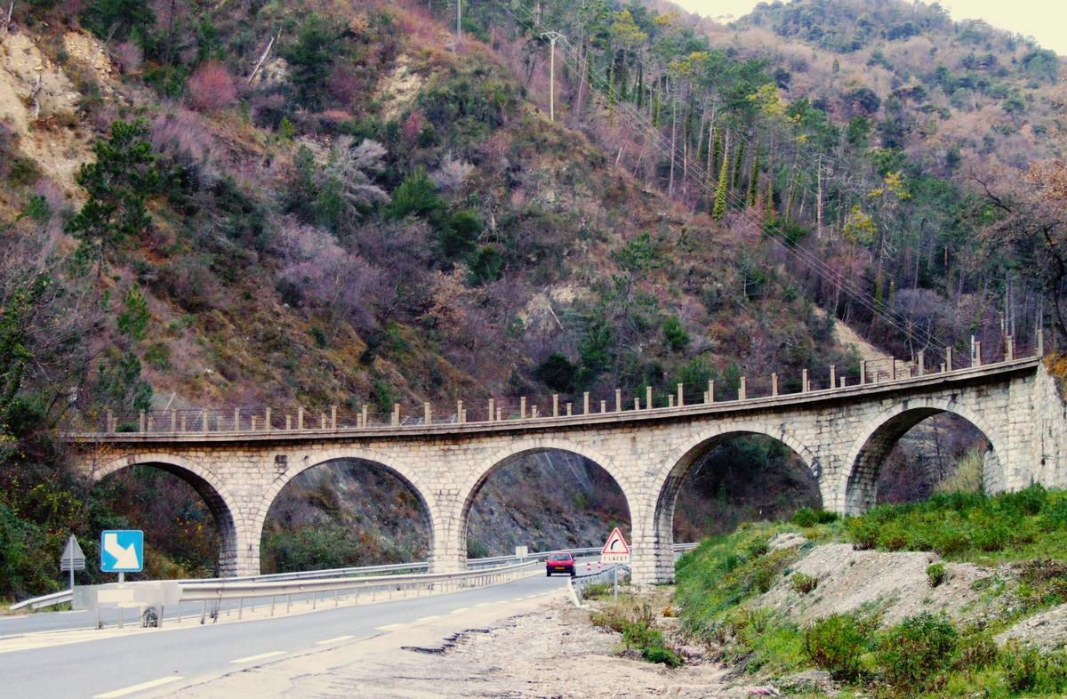 Carreï Viaduct