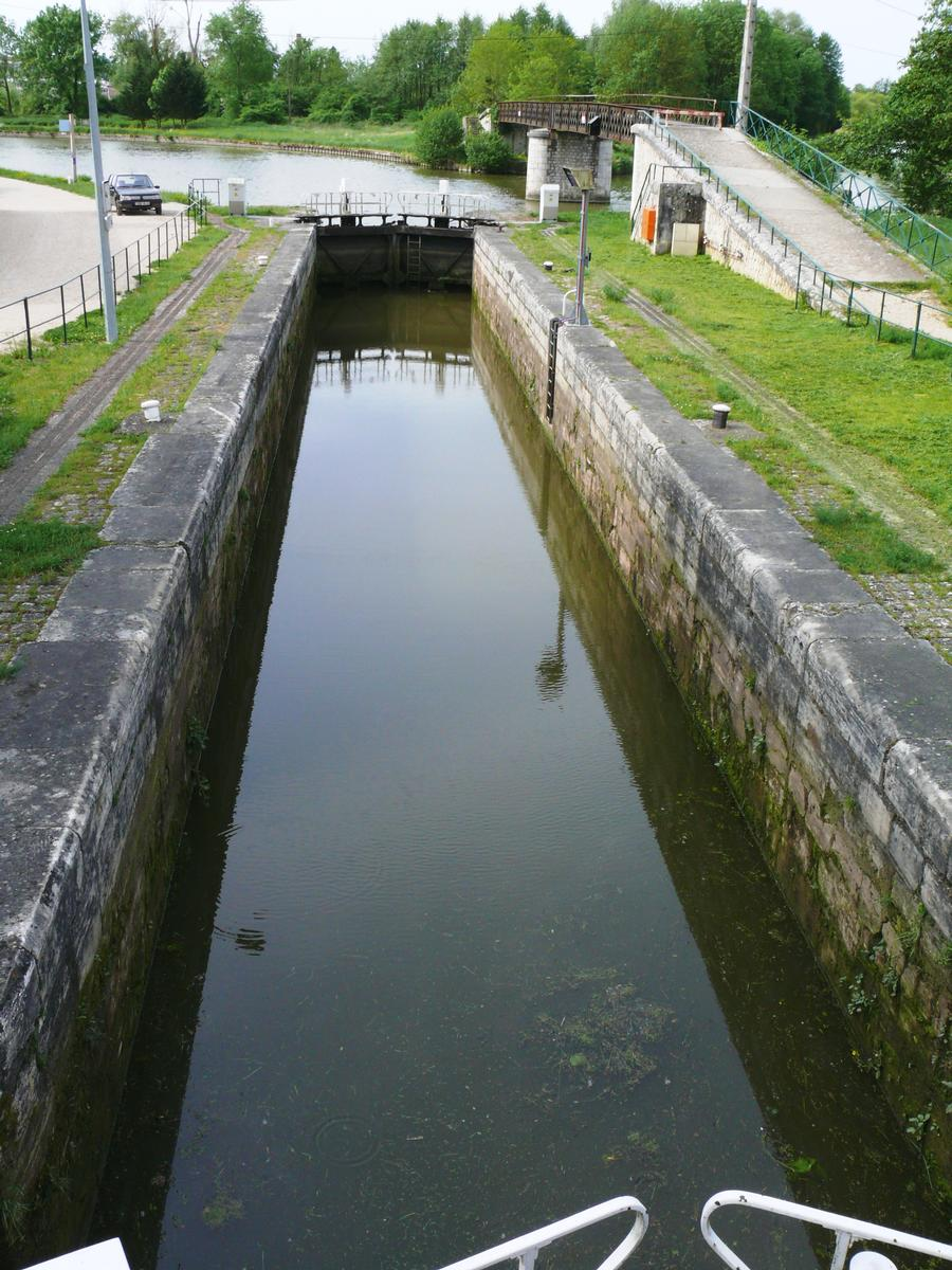 Briare Canal & Orleans Canal & Canal du Loing – Buges Lock