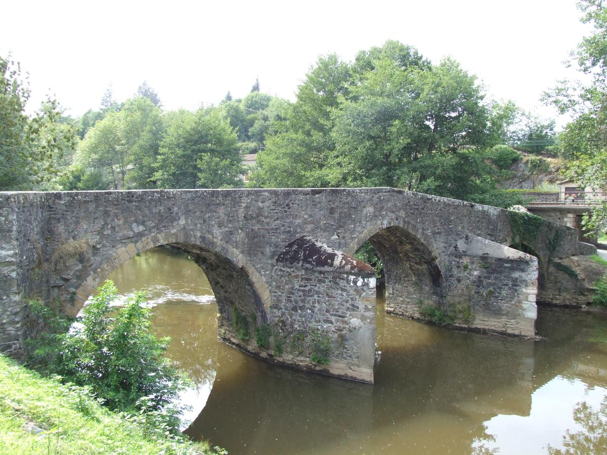 Bagnac-sur-Célé - Pont romain - Vue de l'amont
