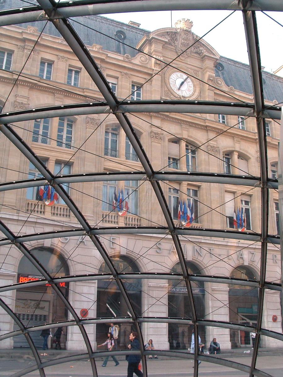 Métro de ParisStation Saint-Lazare - Nouvelle entrée de la station