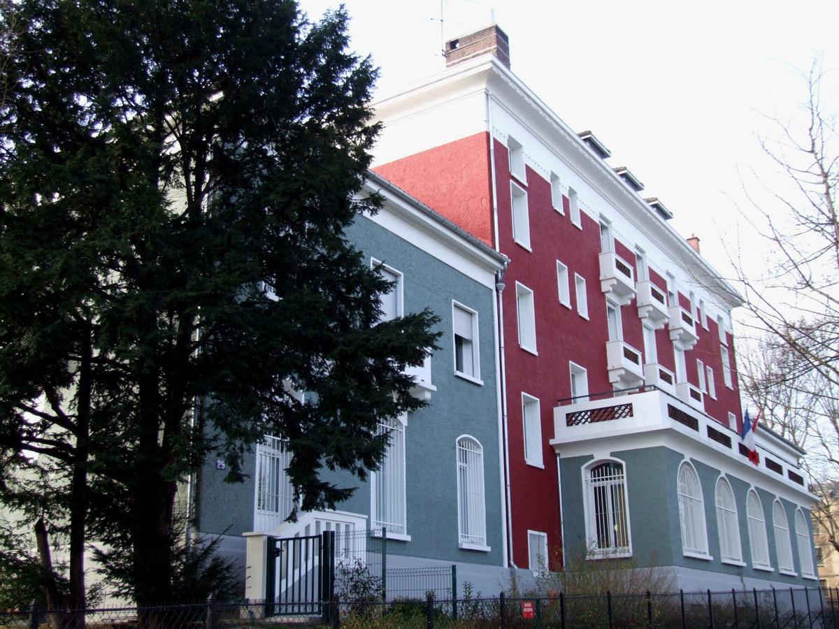 Maison des tudiants canadiens paris 14 me 1926 for Annonceur maison du canadien