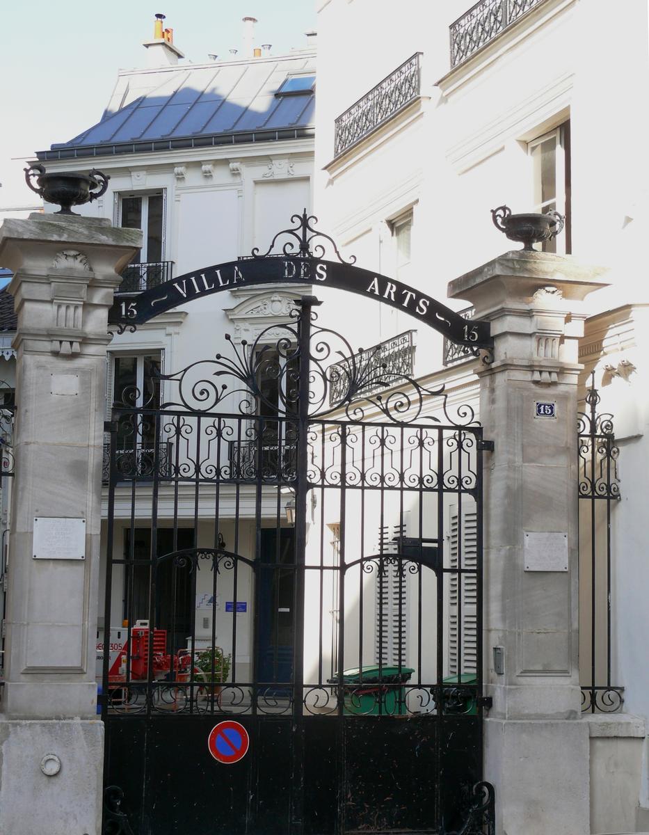 Villa des arts paris 18 me 1890 structurae for Piscine 18eme paris