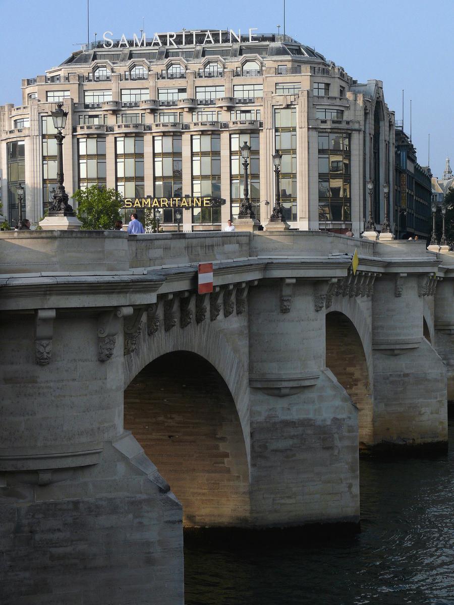 Paris 1er arrondissement - La Samaritaine (Magasin No. 2) - Extension - Vu du Pont-Neuf Paris 1 er arrondissement - La Samaritaine (Magasin No. 2) - Extension - Vu du Pont-Neuf