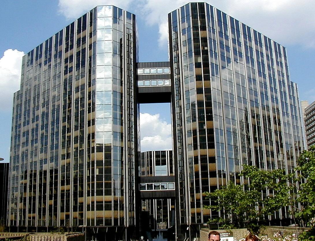 Paris - La Défense - Immeuble Les Miroirs