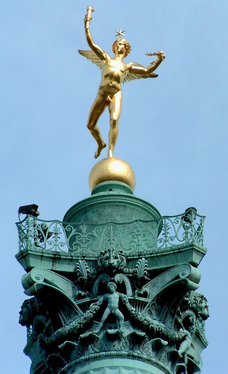 Paris - Place de la Bastille - Colonne de Juillet - Génie de la Liberté au sommet de la colonne