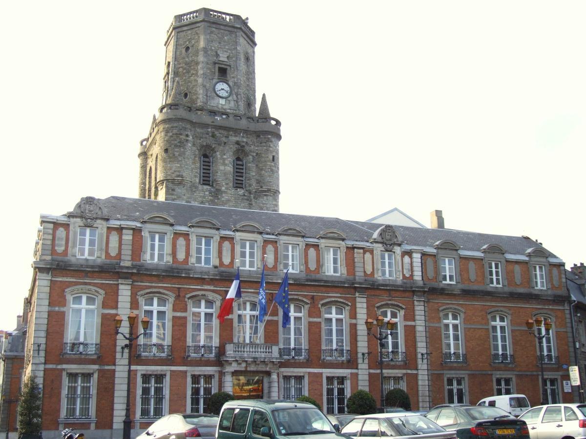 Boulogne sur mer town hall boulogne sur mer structurae for Piscine boulogne