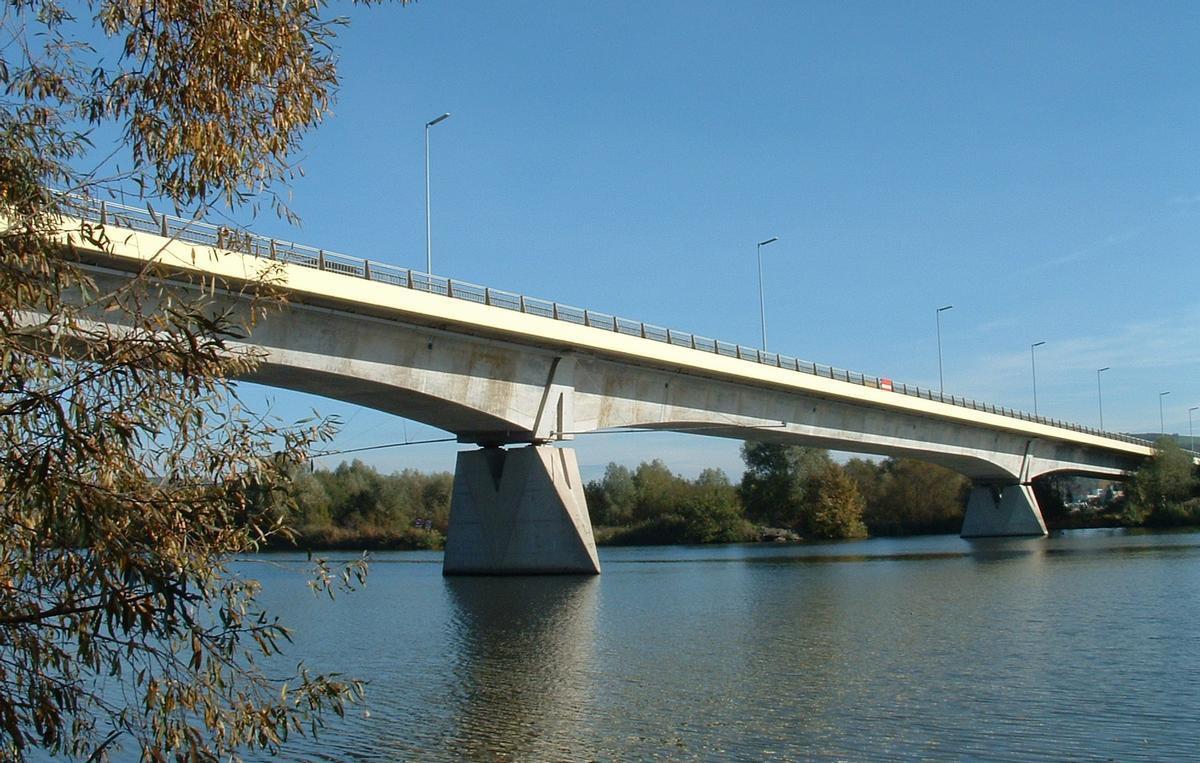 pont mousson bridge pont mousson 1984 structurae. Black Bedroom Furniture Sets. Home Design Ideas