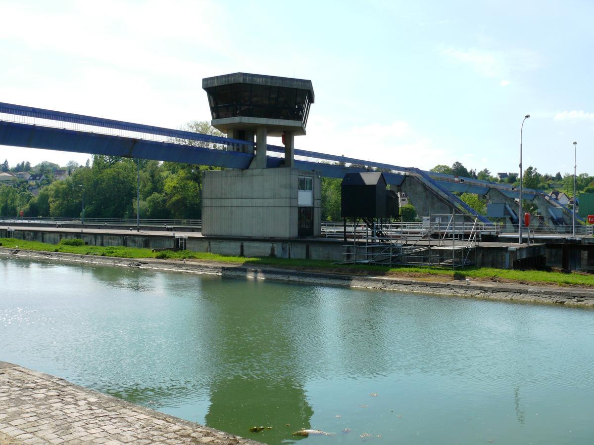 Barrage et écluses de Champagne-sur-Seine