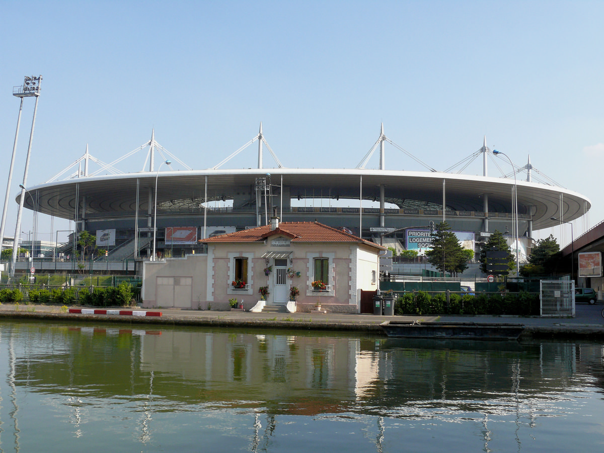 Saint-Denis - Stade de France vu du canal Saint-Denis