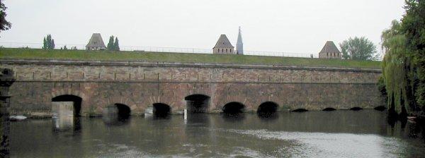 Vauban-Staudamm in Straßburg