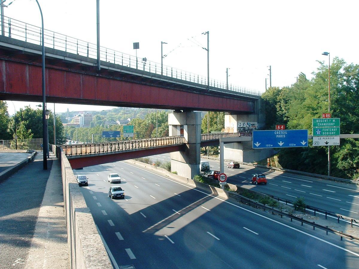 Champigny-sur-Marne - Pont-rail de Nogent (viaduc de franchissement de l'autoroute A4 à la suite du viaduc de Nogent-sur-Marne) - Ensemble