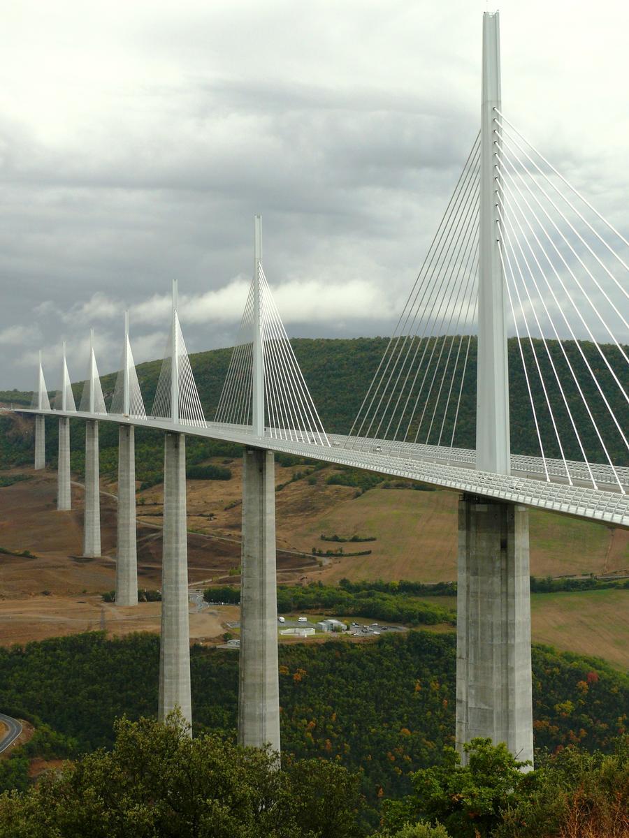 Viaduc de Millau - Vu de l'aire du viaduc
