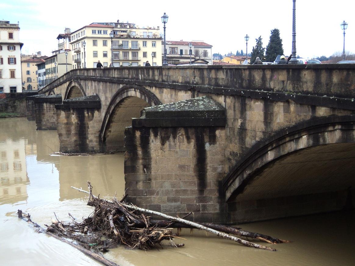 Le pont alla Carraia, sur l'Arno