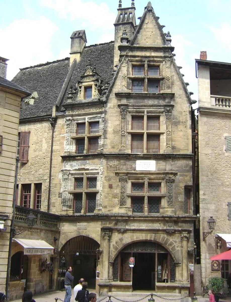 Maison de la bo tie sarlat la can da 1525 structurae for Constructeur de maison sarlat