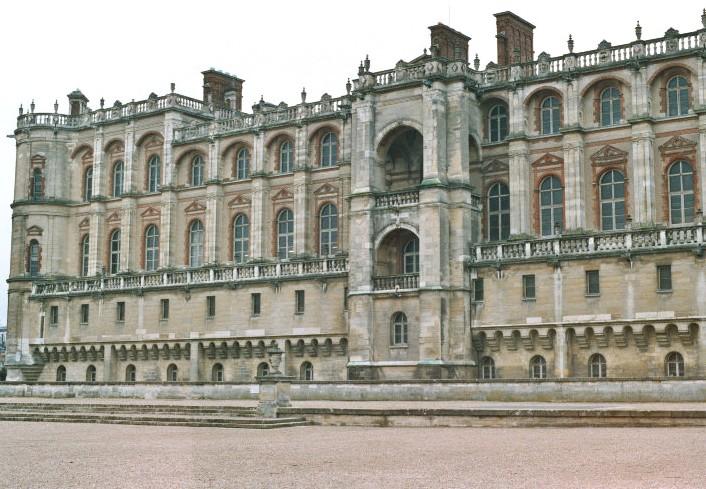 La façade, côté parc, du château de St-Germain-en-Laye