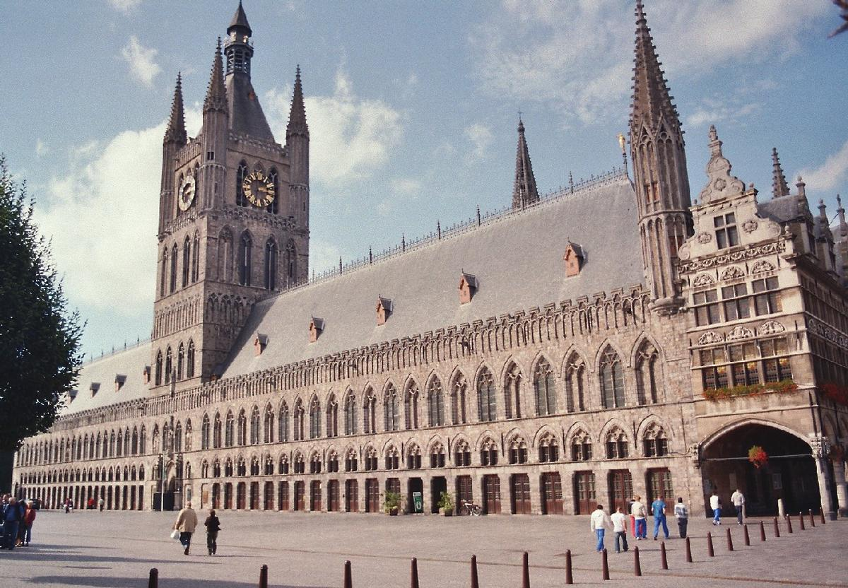 Ypres Cloth Hall (Ieper, 1304, 13th century) | Structurae