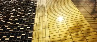 Die Fassade für das Bürogebäude der Messe Mailand prägt die Skyline von Mailand (Fotos: STAHLBAU PICHLER)