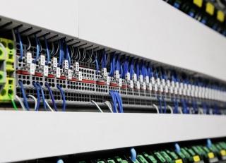 Die Potentialverteilungen für die Aggregate mit Doppelstockklemmen sowie mit einem Standard-Steckbrückensystem