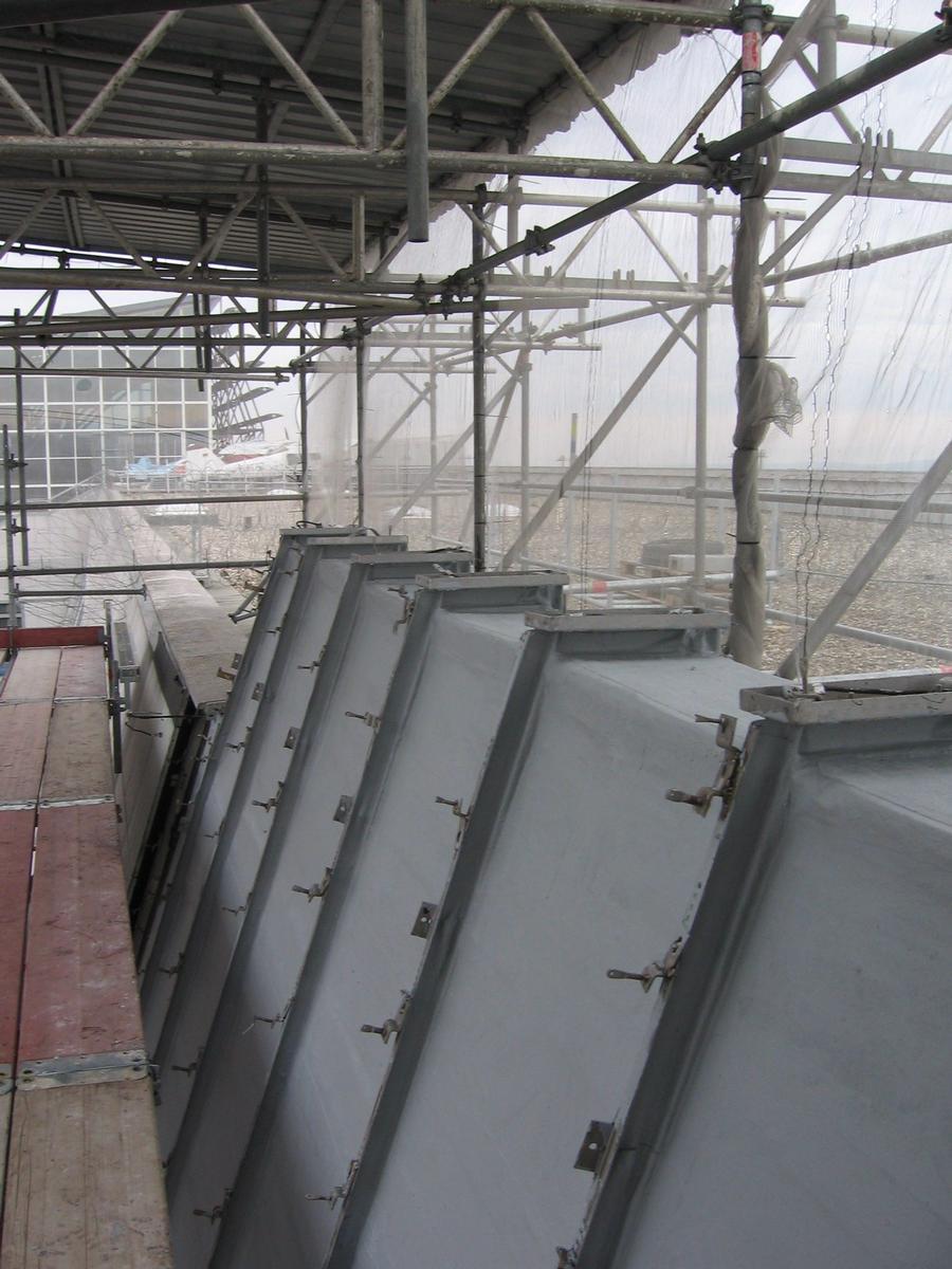 Die abgedichteten Fassadenflächen vor der Montage der Fassadenplatten
