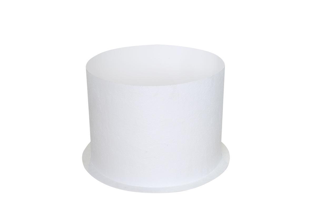 Perfekt gerundet und leicht einzusetzen: die glasfaserverstärkte Lichtschachtverkleidung für die runde Lichtkuppel essertop® 5000