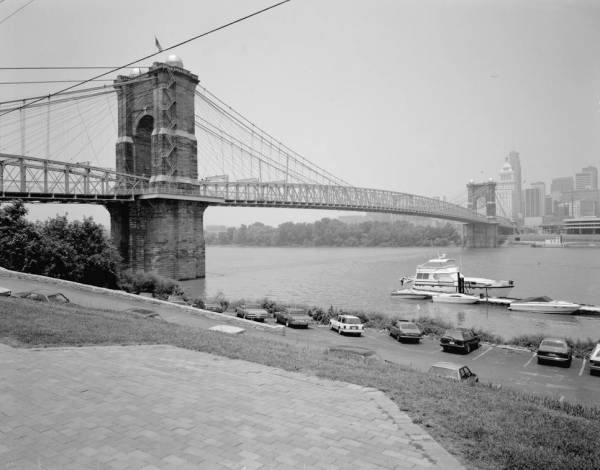 Cincinnati Suspension Bridge.(HAER, OHIO,31-CINT,45-12)