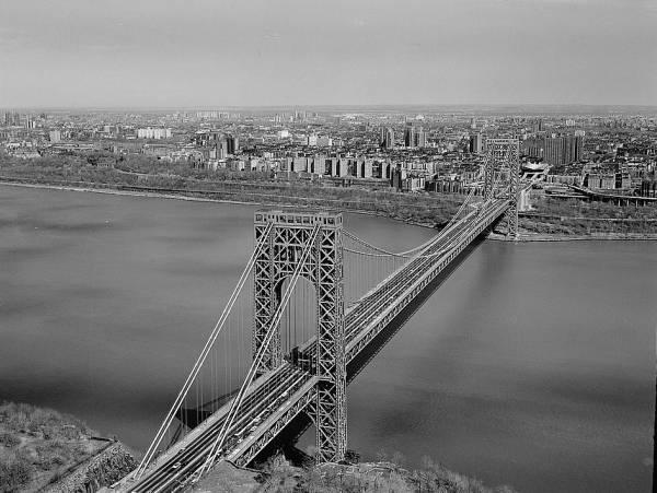 George Washington Bridge General view looking towards Manhattan and slightly upstream  (HAER, NY,31-NEYO,161-1)