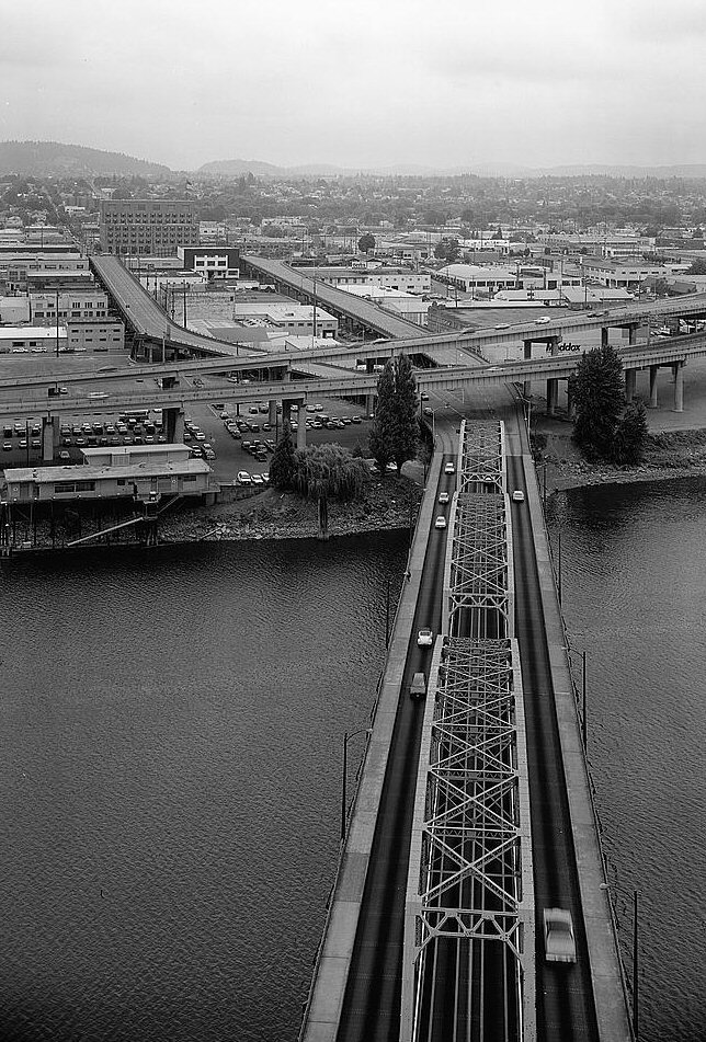 Hawthorne Bridge, Portland, Oregon.(HAER, ORE,26-PORT,10-10)