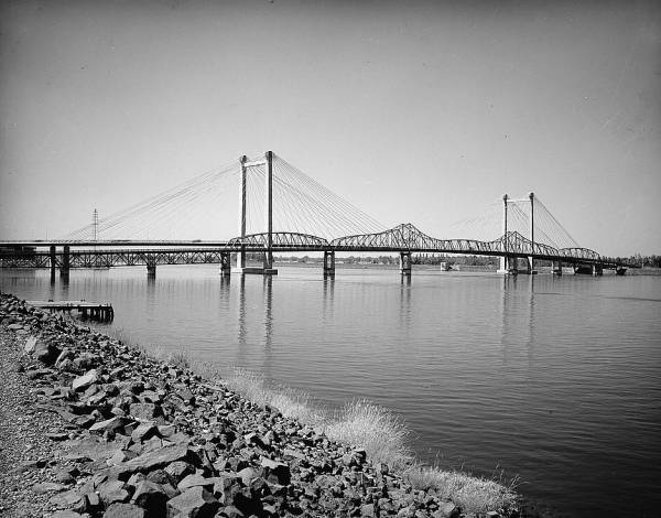 Pasco-Kennewick Bridge.(HAER, WASH,11-PASC,1-1)