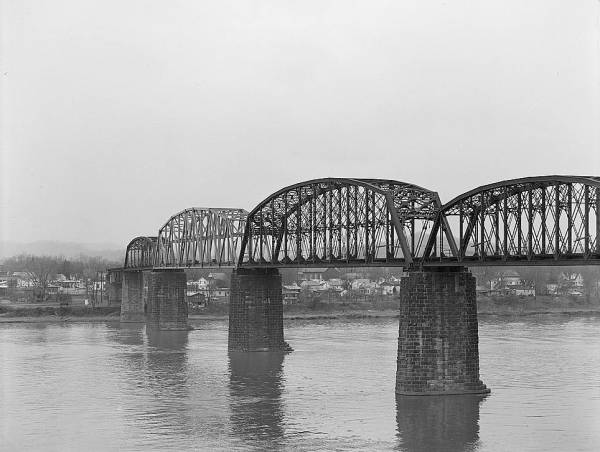 Baltimore & Ohio Railroad Bridge, Parkersburg, West Virginia(HAER, WVA,54-PARK,2-10)