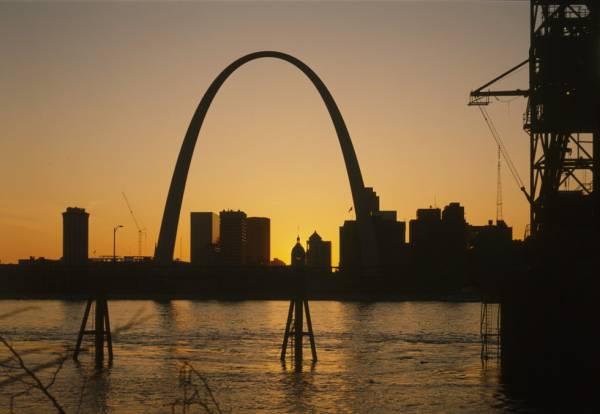 Gateway Arch, Saint Louis. (HAER, MO,96-SALU,78-38)