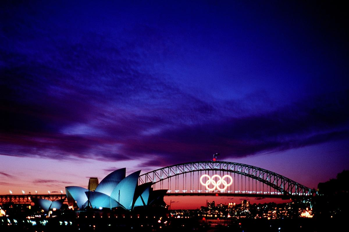 Media File No. 80264 The last sunset over the Sydney Harbour Bridge before closing ceremonies of the Olympics games in Sydney, Australia. Fifteen US Department of Defense personnel participated in the Olympics, from coaches and support staff to athletes competing in various venues