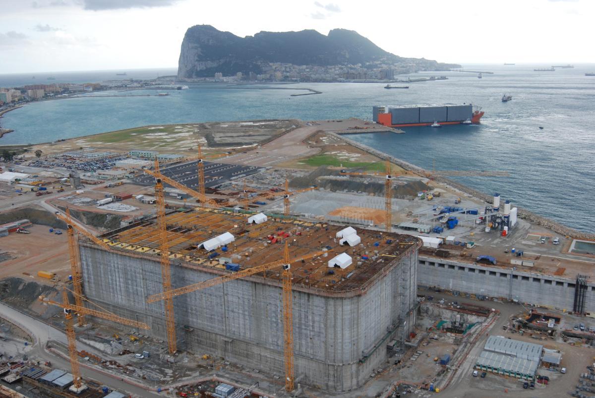 Building of the Adriatic LNG terminal in Algeciras