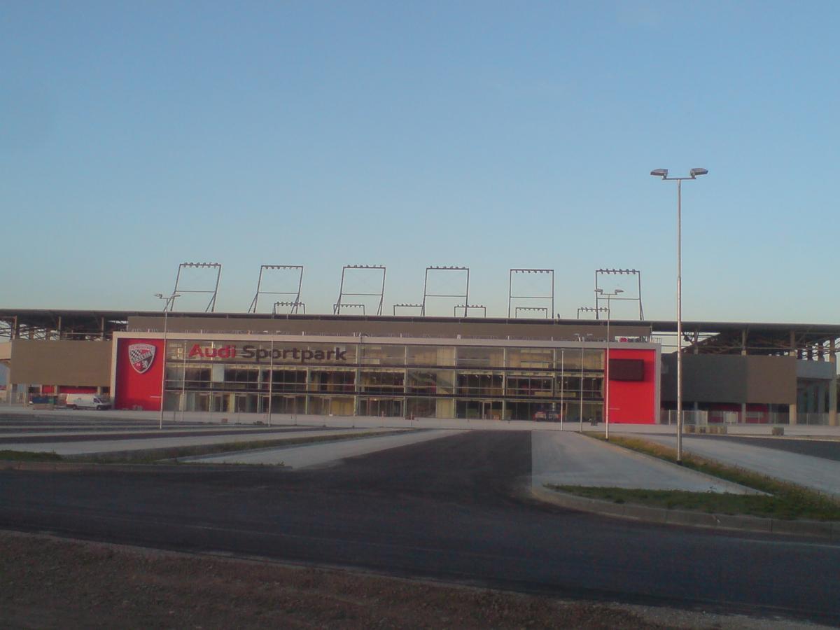 Audi Sportpark (Ingolstadt, 2010)   Structurae
