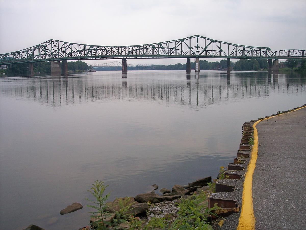 Fifth Street Bridge