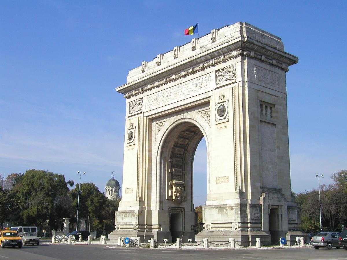 Arcul de Triumf (Bucarest)(photographe: Roman Klementschitz)